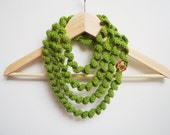 Statement big necklace green spiral crochet jewelry scarf neck warmer plastic button women accessories statement teens gift loop circle cowl