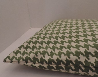 """1  houndstooth print pet bed cover Dog Duvet fits 1 standard sz pillow (19x25"""")  Green off white"""