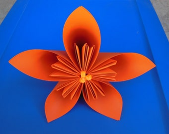 1 Large Origami Flowers with center detail