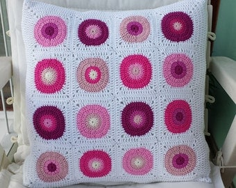 Pink circles cushion