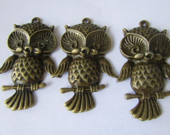 3pcs. of Antique Brass Owl Charm Pendant