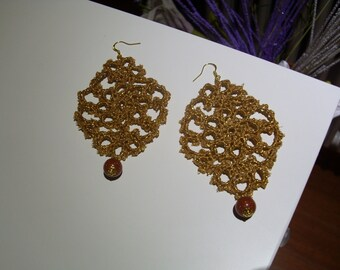 Earrings made of lace tatting starting from 10 euro
