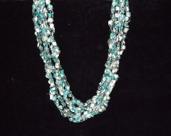Emerald and White Ladder Trellis Yarn Necklace