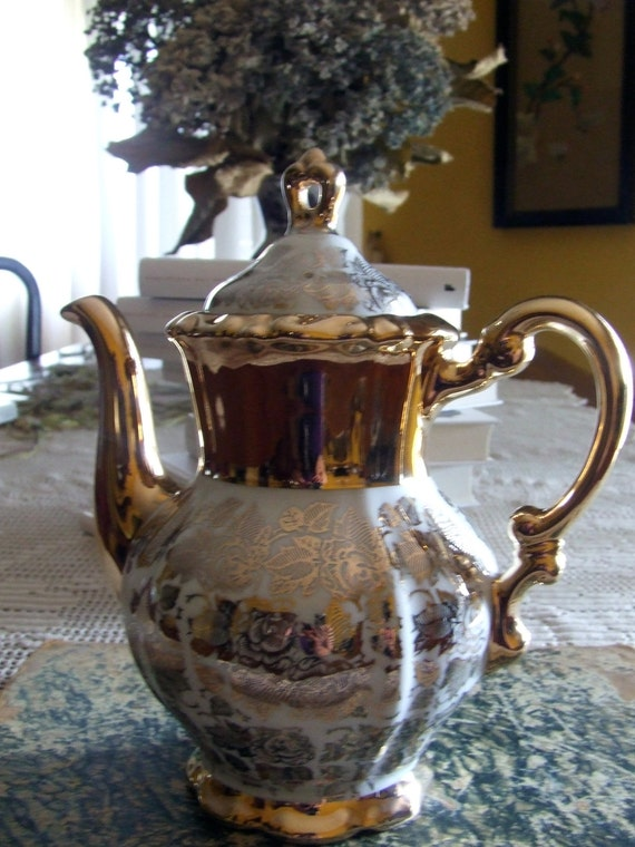 Coffeepot, golden roses