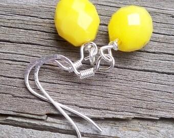 Krizzie - GORGEOUS 10mm Round Multifaceted Lemon Yellow Czech Glass Gemstone Silver Dangle Fish Hook Earrings