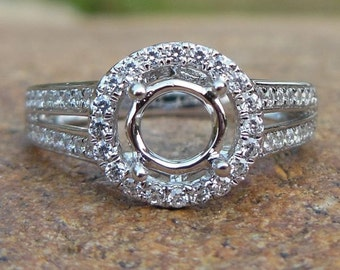Solid 14K White Gold Round Shape 5MM Semi Mount Ring / Engagement Ring