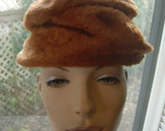 1930s-40s Furry Luxurious Velour Hat