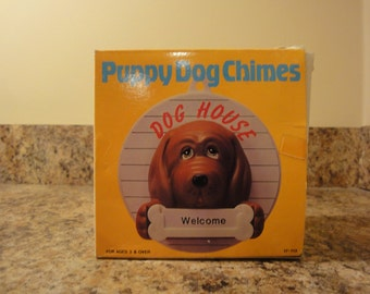 House of Lloyd Puppy Dog Chimes/Home Decor Dog Chimes/Chimes