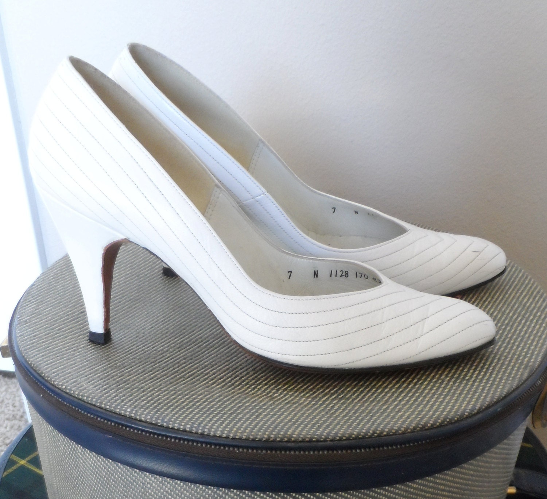 Home > High Heels > 2 & 3 Inch Sandals & Pumps. 2 & 3 Inch Sandals & Pumps. BELLEBOW, 3
