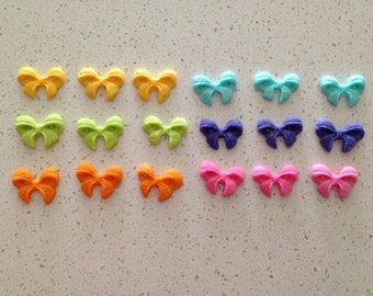 24 Edible Fondant Mini Bow Toppers