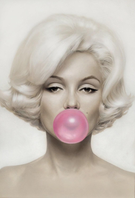 Cheap Cellphone Cases: Marilyn Monroe Pink Bubblegum on Canvas ...