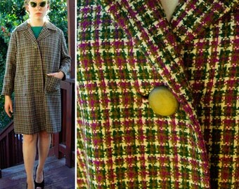 EGGPLANT 1950's 60's Vintage Purple and Olive Green Plaid Wool Coat Jacket // size Med Large // Madmen