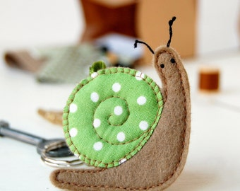 Snail Keyring Craft Kit - Make Your Own - Children's Sewing Kit - Creative Activity Kit - Snail Toy - Snail Lover