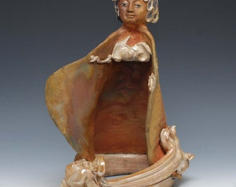 Kwan Yin Goddess Avalokiteshvara Sculpture In Golden Raku Clouds