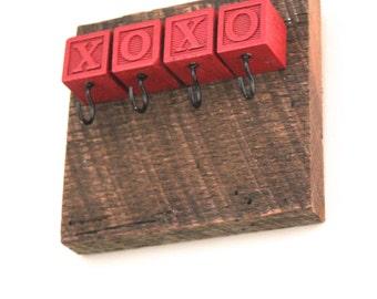 XOXO Block Barn Lumber Key Rack