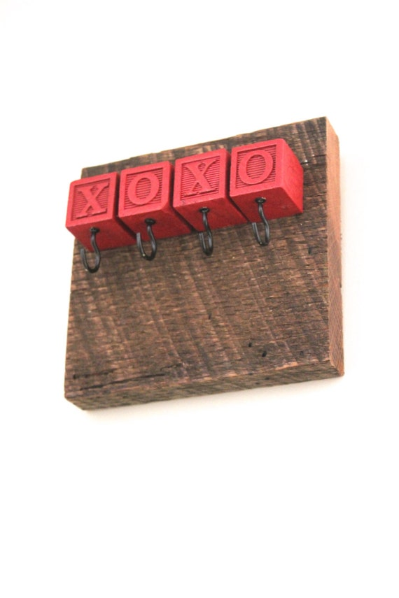 XOXO Block Barn Lumber Key Rack