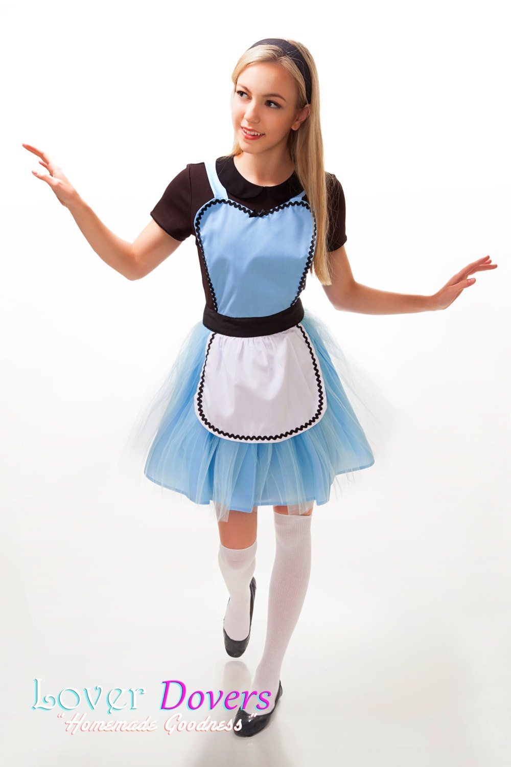 White apron for alice in wonderland costume