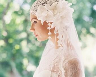 Juliette cap, bridal cap, lace bridal veil, silk tulle veil, 1920s headpiece, bridal hairpiece - Style Manon 1918