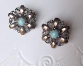 Vintage Earrings, Screw back Earrings, Faux Turquoise, Silver flower Earrings, Vintage 40s Earrings, Antique Earrings, Costume Jewelry 40s