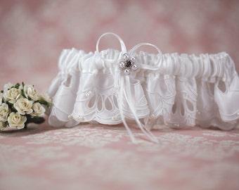 White Applique Wedding Garter - 5033511