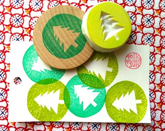 christmas tree rubber stamp. cedar tree stamp. circle stamp. woodland hand carved stamp. diy holiday gift tags, stickers, party props