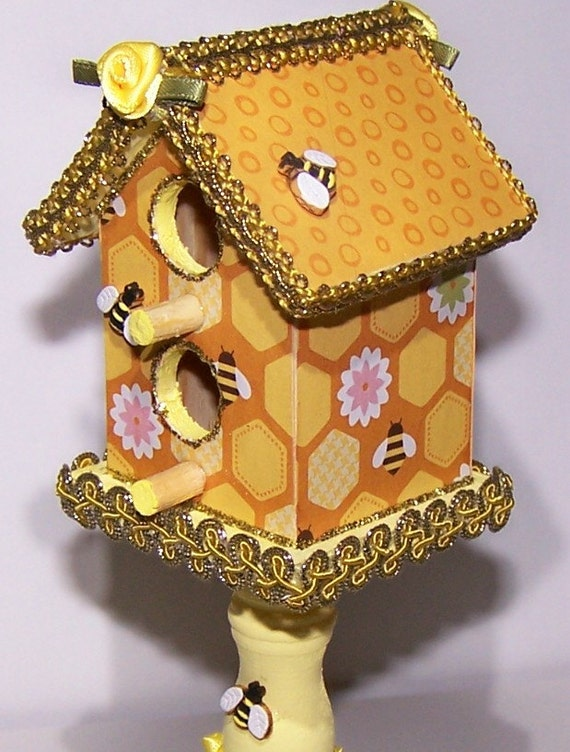 Honeybee bumble bee bee birdhouse home decor yellow for Honey bee decorations for your home