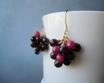 Small cluster earrings. Rhodochrosite, garnet and pink jade, 22 ct gold plated.