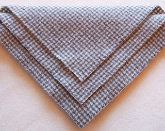 Felted Wool, 10in.x 10in. - Dove Gray Houndstooth - for Applique, Penny Rugs and Sewing Projects / W1384