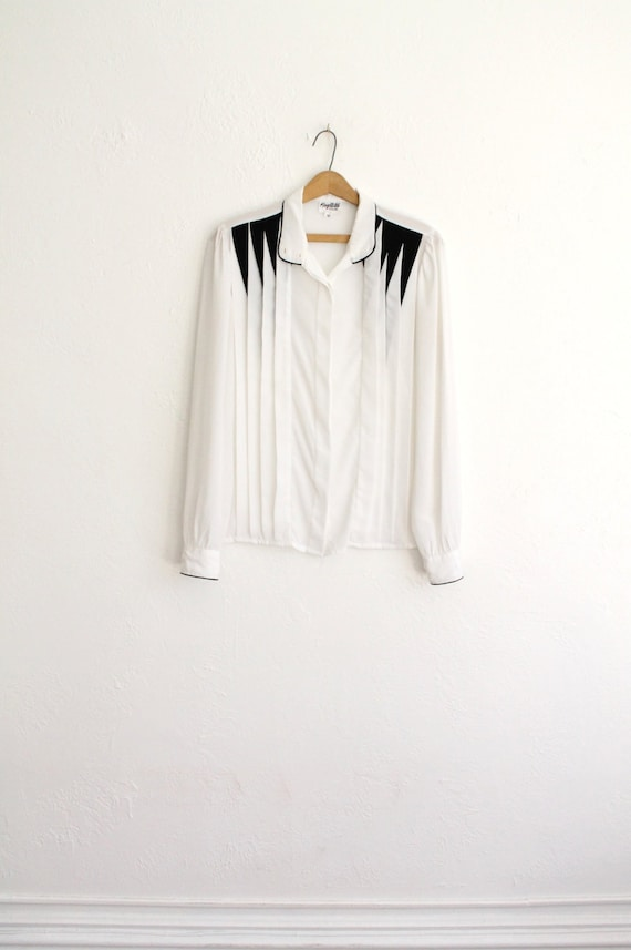 Vintage 80s White & Black Pleated Silky Long Sleeve Secretary Blouse // Geometric Top