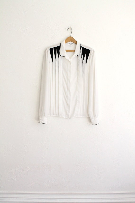 Vintage 80s White & Black Pleated Silky Long Sleeve Secretary Blouse // Geometric Top
