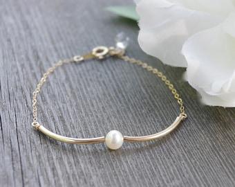 Birthday Gifts, Gold Sisters Bracelet, Friendship Bracelet, Personalized Pearl Bracelet, Crystal Gold Bracelet, Womens Gift, Mother's Day