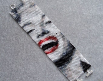 Marilyn Monroe Laughing Bracelet Pattern - Peyote Pattern