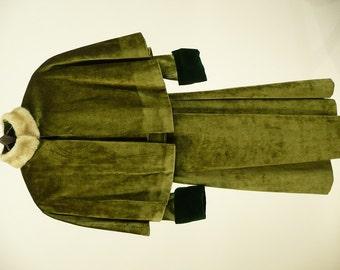 Vintage 1910s, Edwardian Coat, Cap, Reproduction, ca 1914 Design, Girls, Christmas Caroler, Costume, Green Velvet, B30 W30, Downton Abbey