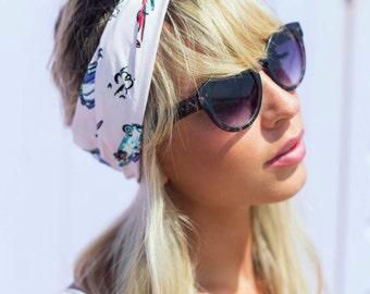 Pink Vintage Car Wire Headband, Dolly Bow, Retro Pin up Rockabilly Hair Wrap, 1950s Americana Car Bandana, 1950s Car Print Hair Scarf
