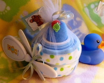 Children's Hooded Towel..2 Baby Washcloths..Baby Hair Brush and Comb Set..Boy or Girl..Baby Shower..Towel Cake..Adorable :)