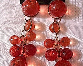 Red Bead Clip On Earrings Gold Tone Vintage Chandelier Dangles Antiqued Finish