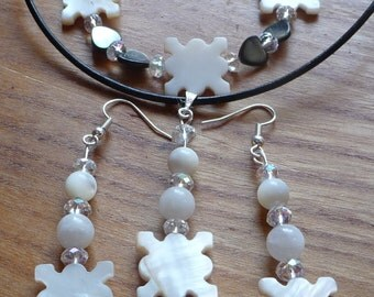 New Mother of Pearl and Moonstone necklace, bracelet and earrings set. Coupon Code NEWYEARSALE2017FEB 10% Off Plus Thank you Coupon