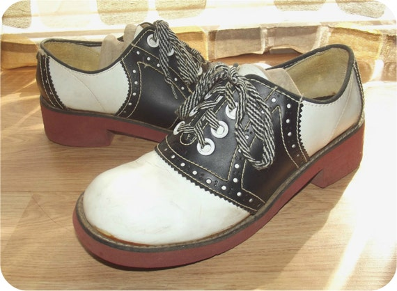 Vintage 60s Black & White Saddle Shoes SWING By IntrigueU4Ever