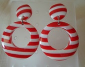 Vintage / LUCITE DOORKNOCKERS / Pierced Earrings / Striped / Layered / Laminated / Red / White / Nautical / Patriotic / Retro / Trendy / Mod
