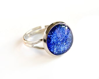 Sparkling blue ring - glass cabochon and glitters