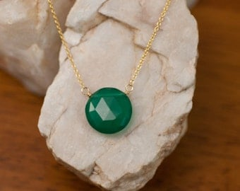 Green Onyx necklace - Gold Necklace - Gemstone necklace  - Round Stone Necklace - Gift for Her