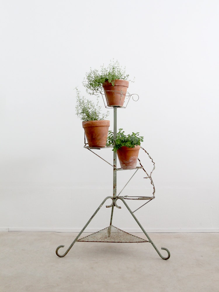 Tiered plant stand vintage metal display riser garden decor - Tiered metal plant stand ...