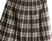 Skirt Wool, Pleated Plaid in Browns womens small