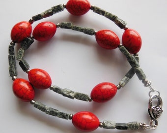 Hot red on Moss Agate Necklace 472