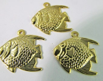 8 Vintage 14mm Gold-Plated Brass Angelfish Charms Pendants Pd515