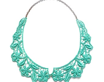 Collar Necklace in Teal Green Peter Pan Bib