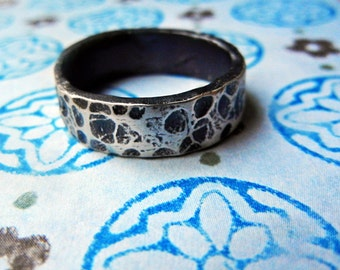 Beautiful Mens Wedding Ring, Animal Skin look, Simple Silver, Rough Dimpled Texture Band, Natural Mens wedding bands, Nice Feel