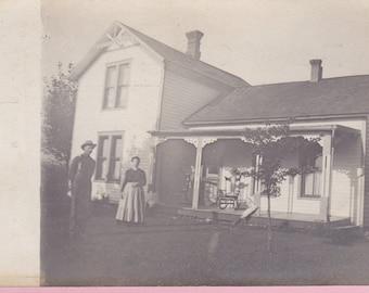 Ca. 1909 Real Photo Postcard w/ 2 People in Yard - 117
