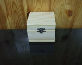 Unfinished Plain Natural Square Hinged Wood Box.