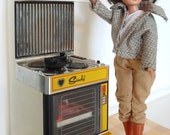 Sindy plus outfit (1980's), Electronic Cooker